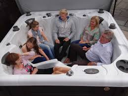 British Hot Tub Feature | Multi-Level Seating